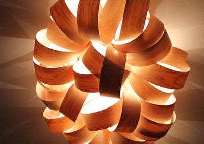 Frisure Luminaire lame de bois en plafonnier